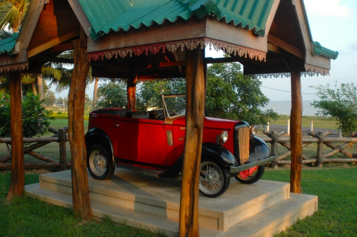 A restored vintage car at Lagoon's Edge
