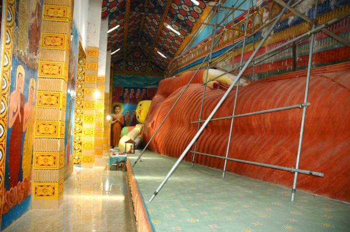 35m reclining Buddha
