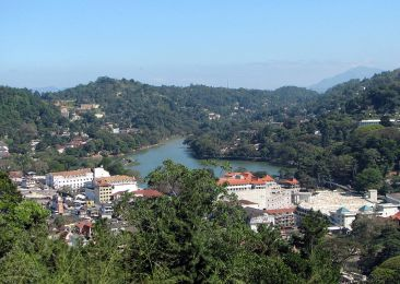Kandy_lake