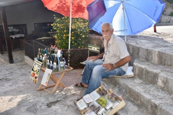Wine & Fruit seller